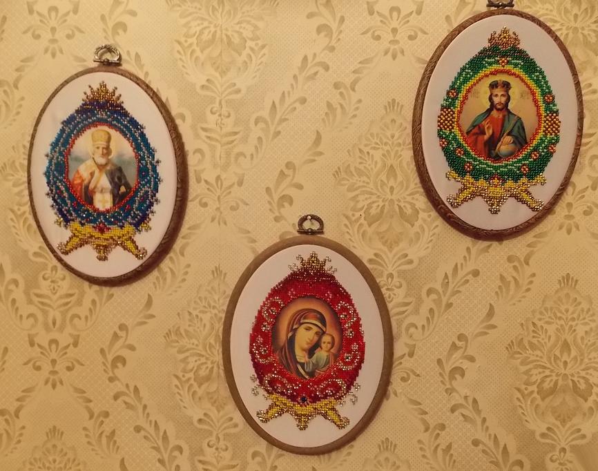 Вусик Г. «Пасхальные яйца» (покупной набор с нанесёнными ликами святых. Вышивка бисером)