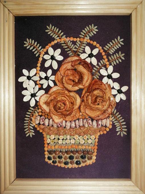 Гаврилов П. «Расцвет красоты» (семечки, косточки, фасоль, горох, сушеные яблоки)